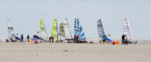 Ga blokarten op het strand van Egmond aan Zee