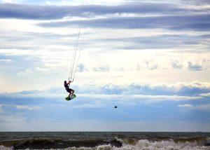 kitesurfer-960951_1920